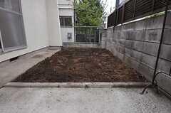 菜園の様子。土の準備は万端。(2011-07-28,共用部,OTHER,1F)