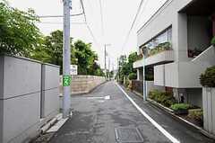 京王井の頭線・久我山駅からシェアハウスへ向かう道の様子。(2011-07-28,共用部,ENVIRONMENT,1F)