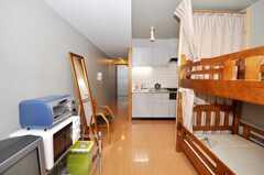 ドミトリーの様子2。(102号室)(2009-08-31,共用部,LIVINGROOM,1F)