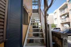 階段の様子。(1階から2階)(2008-07-23,共用部,OTHER,2F)