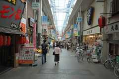 JR中央線高円寺駅前の商店街の様子。(2008-07-23,共用部,ENVIRONMENT,1F)