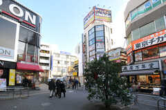 JR中央線・西荻窪駅前の様子。(2012-12-24,共用部,ENVIRONMENT,1F)