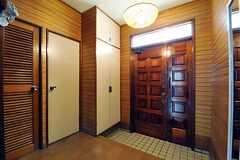 内部から見た玄関周りの様子。(2012-05-21,周辺環境,ENTRANCE,1F)