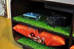 来客用クッションは壁際の棚に収納されています。(2012-05-21,共用部,LIVINGROOM,1F)