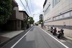 京王井の頭線・西永福駅からシェアハウスへ向かう道の様子。(2012-05-21,共用部,ENVIRONMENT,1F)