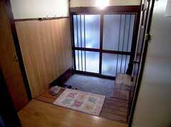 正面玄関の様子。(内側)(2005-07-14,周辺環境,ENTRANCE,1F)