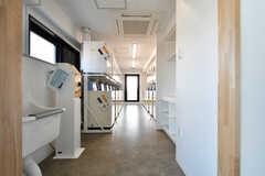 リビングの隣がランドリールームです。(2020-11-04,共用部,LAUNDRY,8F)