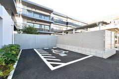 駐車場の様子。(2020-11-04,共用部,GARAGE,1F)
