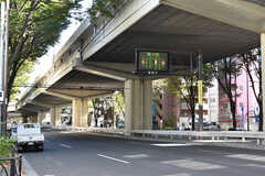 シェアハウスは甲州街道沿いに建っています。(2020-11-04,共用部,ENVIRONMENT,1F)