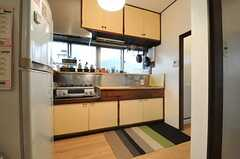 キッチンの様子。(2013-10-01,共用部,KITCHEN,1F)