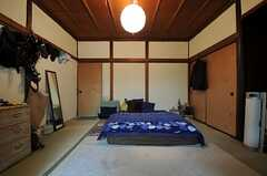 専有部の様子2。(102号室)※備品は入居者さんの私物です。(2013-10-01,専有部,ROOM,1F)