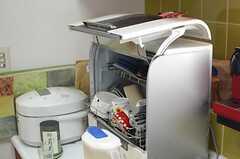 食器洗浄機も用意されています。(2014-05-12,共用部,KITCHEN,2F)