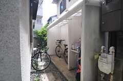 自転車置き場の様子。(2014-05-12,共用部,GARAGE,1F)
