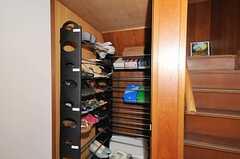 シューズBOXに入りきらない靴は、こちらも利用できます。(2010-04-23,周辺環境,ENTRANCE,1F)