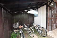 屋根付きの自転車置き場。(2019-10-03,共用部,GARAGE,1F)