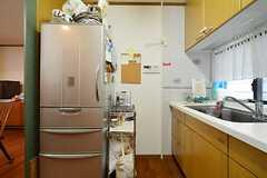 冷蔵庫とシンク周辺の様子。(2015-03-04,共用部,KITCHEN,1F)