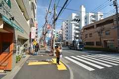 シェアハウスから東京メトロ丸ノ内線・方南町駅に向かう道の様子。(2015-03-04,共用部,ENVIRONMENT,1F)
