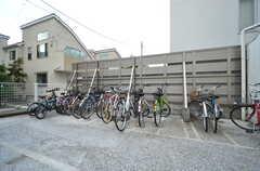 マンションの自転車置場の様子。(2015-12-17,共用部,GARAGE,1F)