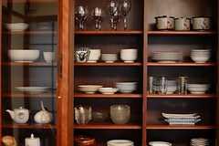 食器棚の様子。(2015-02-25,共用部,LIVINGROOM,1F)