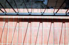 ベランダに描かれた線の影。(2010-03-26,共用部,OTHER,2F)