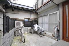 自転車置場の様子。(2010-03-26,共用部,GARAGE,1F)