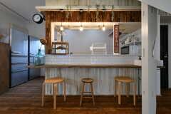 カウンターテーブルの様子。奥はキッチンです。(B棟)(2018-10-03,共用部,LIVINGROOM,1F)