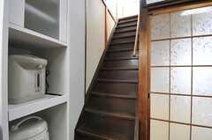 階段の様子。(2013-01-07,専有部,ROOM,1F)