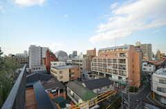 テラスから見える景色。周囲に高い建物がなく、見晴らしが良いです。(2016-03-02,共用部,OTHER,6F)