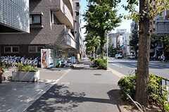 東京メトロ丸の内線・南阿佐ヶ谷駅からシェアハウスへ向かう道の様子。(2011-09-29,共用部,ENVIRONMENT,1F)
