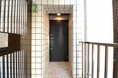正面玄関の様子。(2013-01-15,周辺環境,ENTRANCE,2F)
