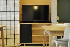 共用のTVの様子。(2013-01-15,共用部,TV,2F)