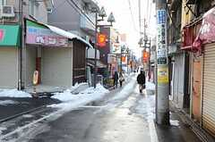 西武新宿線・下井草駅からシェアハウスへ向かう道の様子。(2013-01-15,共用部,ENVIRONMENT,1F)