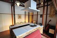 キッチンはオリジナルのデザインです。(2012-08-10,共用部,KITCHEN,1F)