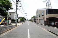 京王電鉄井の頭線・西永福駅からシェアハウスへ向かう道の様子。(2012-08-10,共用部,ENVIRONMENT,1F)