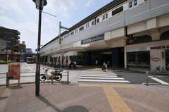 各線・高円寺駅の様子。シェアハウスは高円寺駅と阿佐ヶ谷駅の間にあります。(2011-06-14,共用部,ENVIRONMENT,1F)