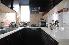 キッチンの様子。(2013-06-18,共用部,KITCHEN,2F)