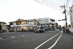 シェアハウス近くの交差点の様子。(2020-11-13,共用部,ENVIRONMENT,1F)