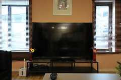 共用TVは60インチのビッグサイズです。(2012-09-21,共用部,TV,2F)