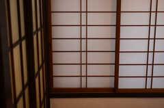 障子窓の様子。(201号室)(2015-02-05,専有部,ROOM,2F)