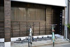 自転車置き場の様子。(2015-03-11,共用部,GARAGE,1F)