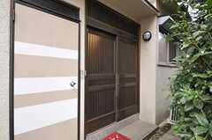 玄関の様子。(2011-12-06,周辺環境,ENTRANCE,1F)