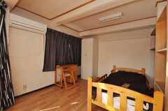 専有部の様子4。もちろん遮光カーテンです。(601号室)(2009-10-30,専有部,ROOM,6F)