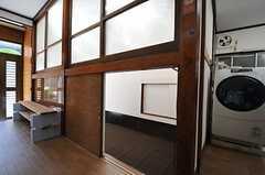 101号室の入口。屈まないと入れません。(2013-05-07,専有部,ROOM,1F)
