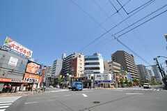 都営新宿線・菊川駅前の様子。(2013-05-07,共用部,ENVIRONMENT,1F)