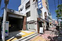 都営新宿線・菊川駅の様子。(2013-05-07,共用部,ENVIRONMENT,1F)