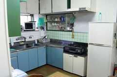 シェアハウスのキッチンの様子。(2005-08-29,共用部,KITCHEN,2F)