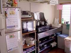 キッチンの様子。(2005-08-29,共用部,KITCHEN,2F)