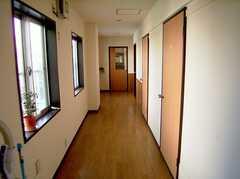 廊下の様子。(2005-08-29,共用部,OTHER,3F)