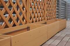 プランターが並んでいるので菜園を楽しめそう。(2012-02-28,共用部,OTHER,3F)