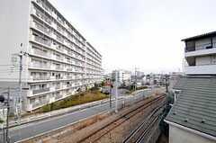 ベランダからの眺めはこんな感じ。(301号室)(2012-02-28,専有部,ROOM,3F)
